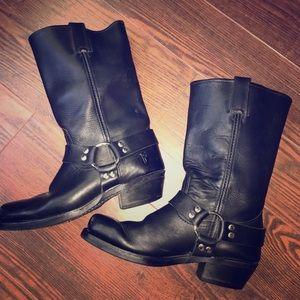 FRYE Harness Black Boot